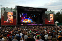 Clam_live_Elton_John