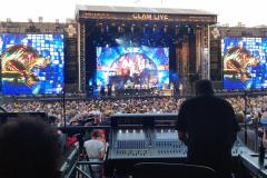 Clam_live_Rod_Stewart